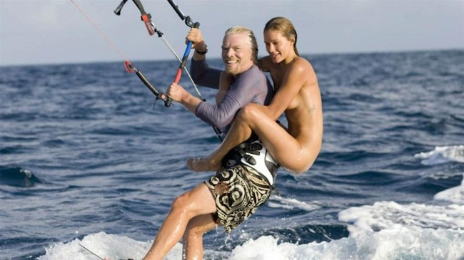 Branson waterskiing with babe