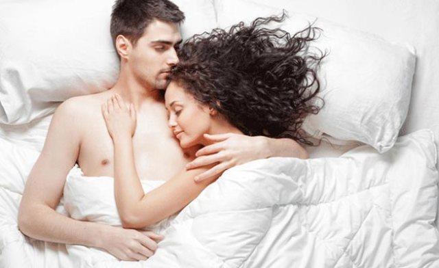 couplesleepingpositionsandtheirmeaning