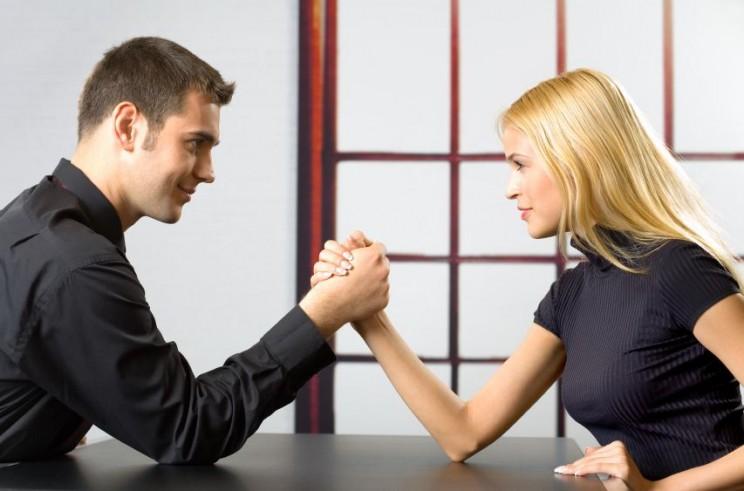 man woman arm wrestling-744x491