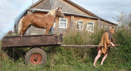 Awesome-Photos-From-Russia-With-Love-Horse-and-Cart1